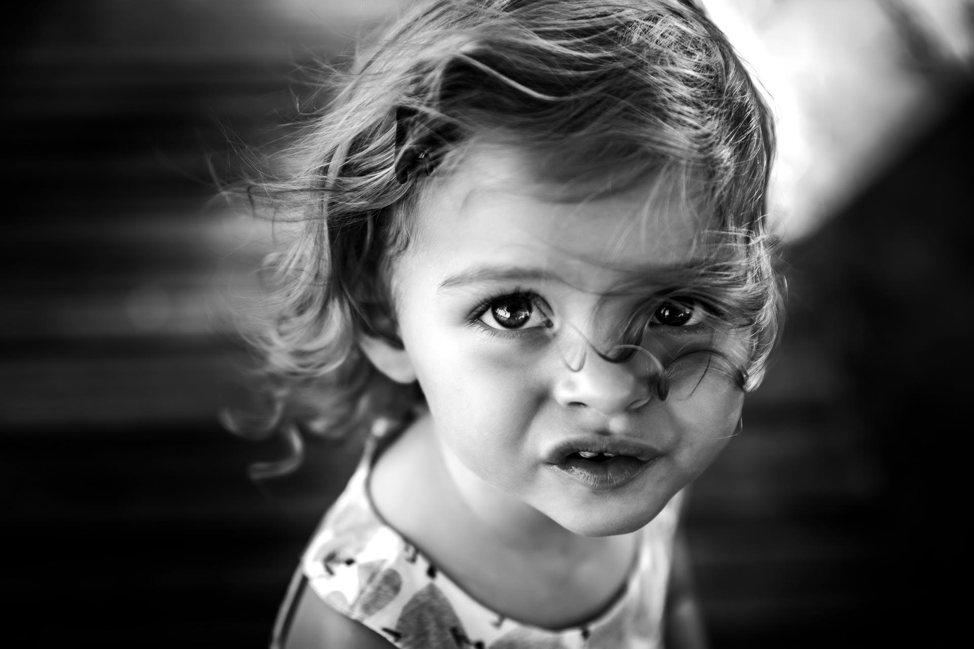 petite fille noir et blanc a bourg-en-bresse