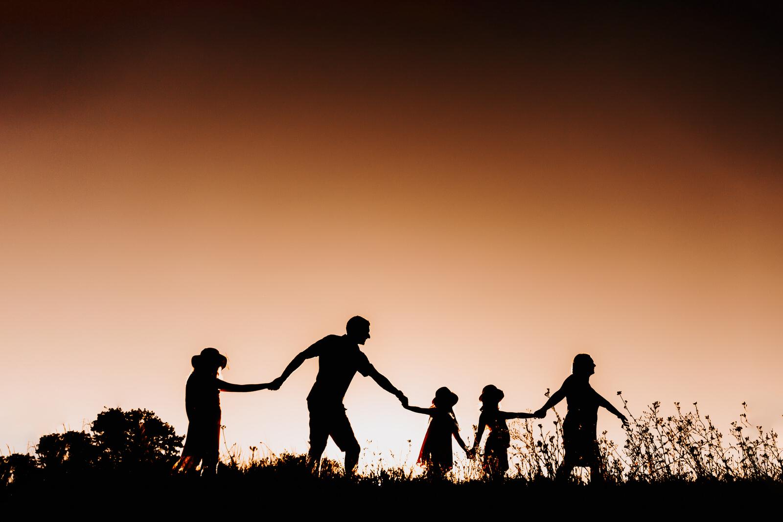séance photo en famille à lyon jeu d'ombre