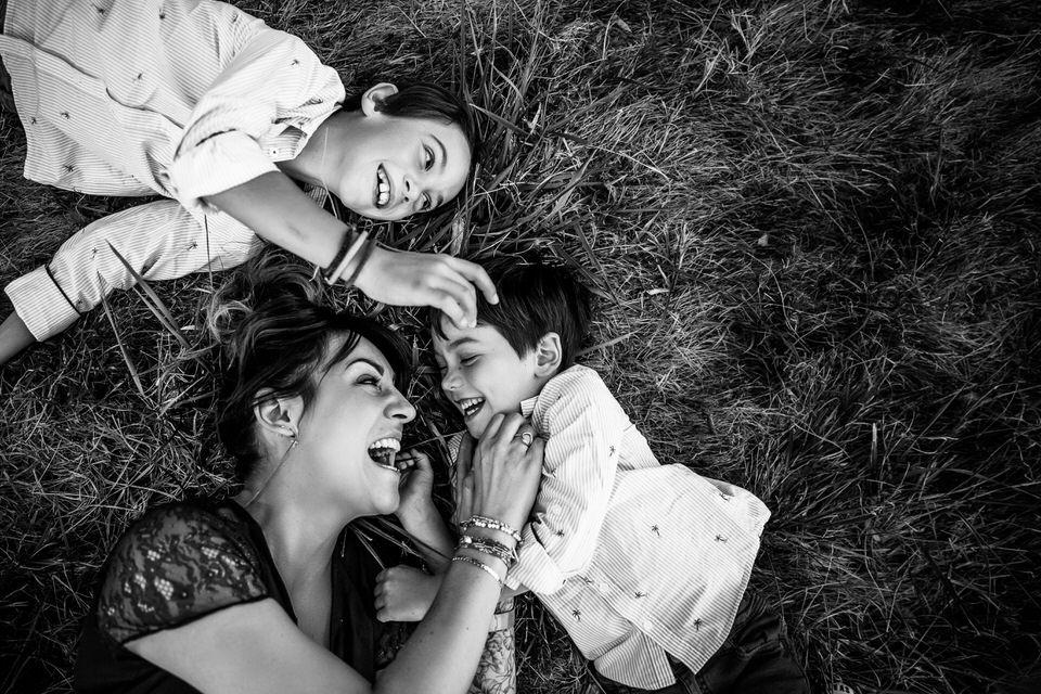 photographe famille macon noir et blanc